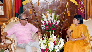 রাষ্ট্রপতির সঙ্গে নতুন ভারতীয় হাইকমিশনারের সাক্ষাৎ