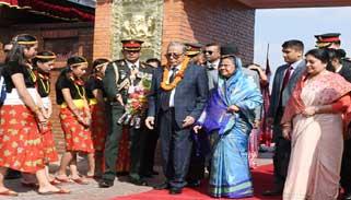 রাষ্ট্রপতিকে নেপালে লাল গালিচা সংবর্ধনা