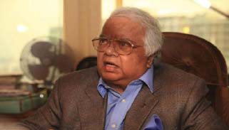 পূর্ণাঙ্গ রায়: আত্মসমর্পণ করতেই হবে নাজমুল হুদাকে