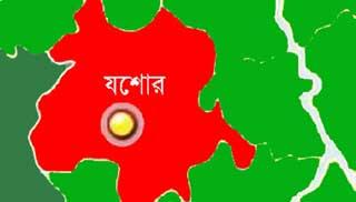 যশোরে লকডাউনেও রমরমা মাদক বিক্রি