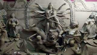ঝালকাঠির মন্ডপগুলোতেচলছে শারদীয় দুর্গোৎসবের প্রস্তুতি