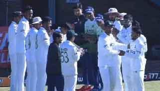 মাহমুদউল্লাহর শেষ টেস্টে সতীর্থদের জয় উপহার