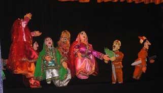 শিল্পকলা একাডেমিতে শুরু হয়েছে পুতুলনাট্য প্রদর্শনী