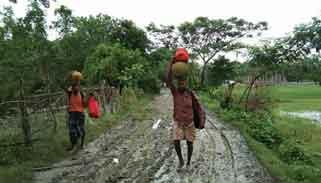 রাঙ্গাবালীতে সড়কের বেহাল দশা : ভোগান্তিতে হাজারও মানুষ