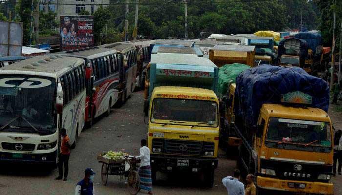 ঢাকা-পাটুরিয়া মহাসড়কে ৮ কিলোমিটার যানজট: ফেরি চলাচল ব্যাহত