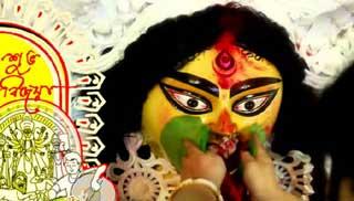 আজ বিজয়া দশমী: মণ্ডপে মণ্ডপে বিদায়ের সুর