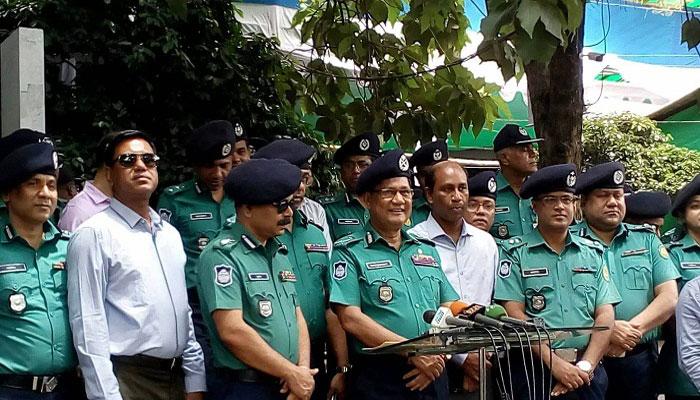 রাজধানীতে কোনো ছিনতাইকারী নেই : ডিএমপি কমিশনার