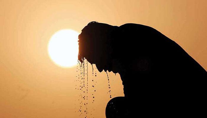আবহাওয়ায় আপাতত সুখবর নেই : সাগরে ঘূর্ণিঝড় 'ফণি'