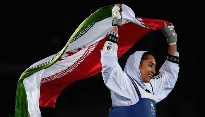 দেশ ছেড়েছেন ইরানের অলিম্পিক জয়ী একমাত্র নারী অ্যাথলেট