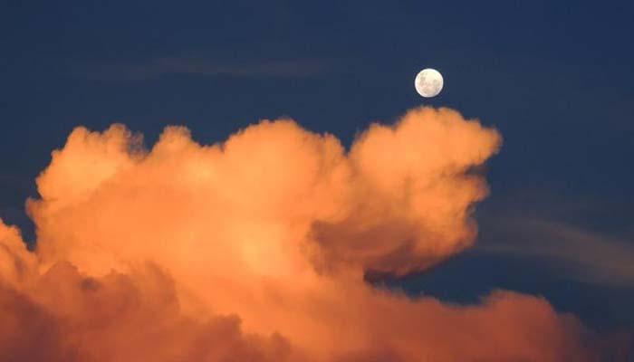 দীর্ঘ ১৩ বছর শুক্রবার দেখা যাবে ক্ষুদ্রতম চাঁদ