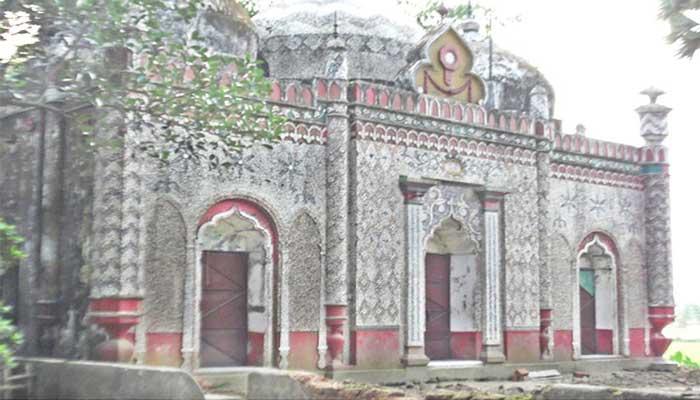 কালের সাক্ষী কুমিল্লার তিন গম্বুজ মসজিদ
