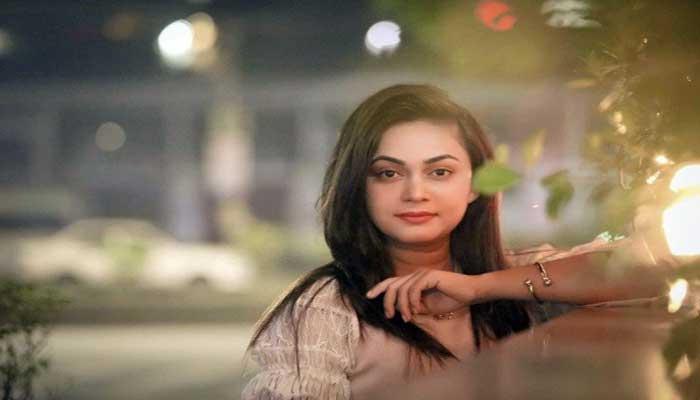 অভিনয় ছাড়লেন অভিনেত্রী মৌরি সেলিম