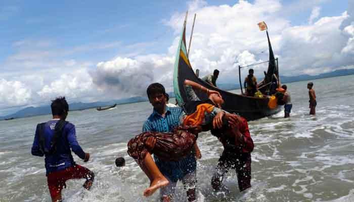 বঙ্গোপসাগরে রোহিঙ্গা বোঝাই ট্রলার ডুবির ঘটনায় মামলা : আটক ৮