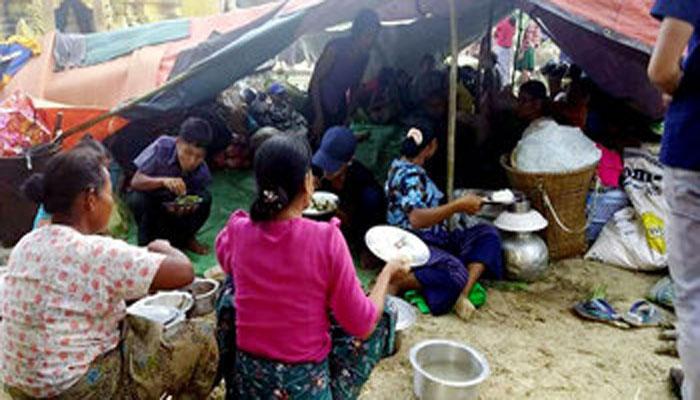 রুমায় বৌদ্ধ শরণার্থীদের আশ্রয় : সঙ্কটে স্থানীয়রা
