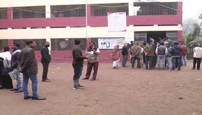 চট্টগ্রাম-৮ আসনের উপ-নির্বাচনে ভোটগ্রহণ চলছে